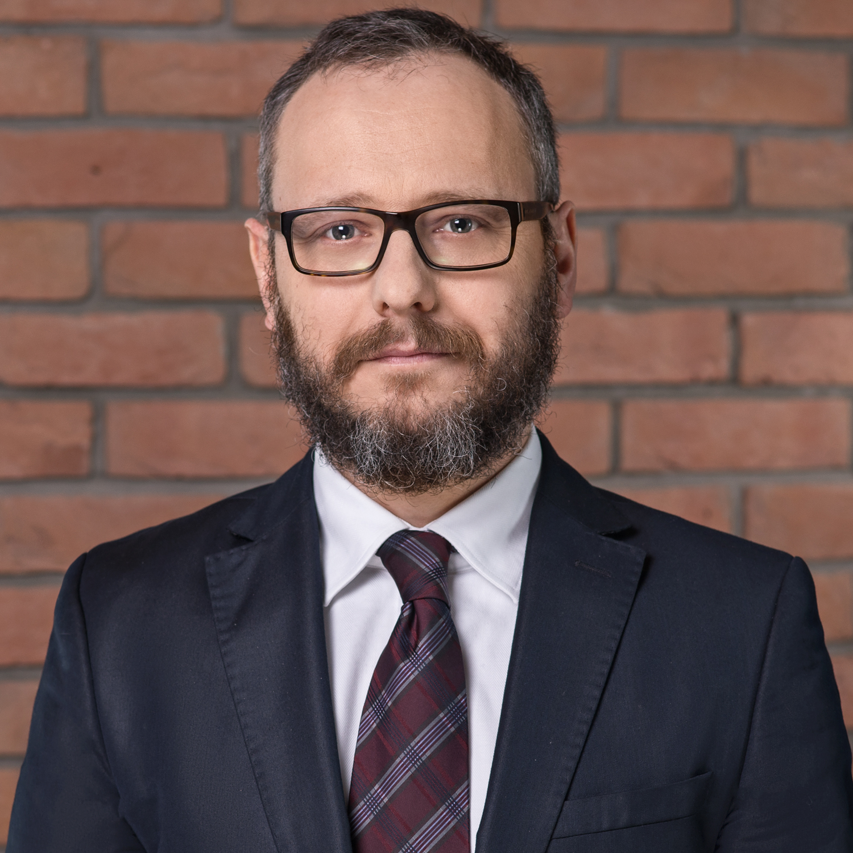 dr Dominik Lubasz